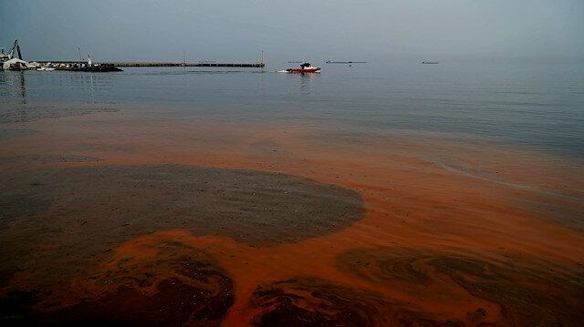 Marmara Denizi'nin rengi turuncuya döndü