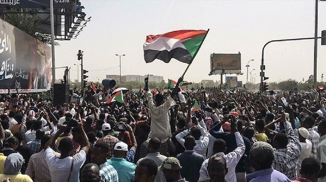الصحة السودانية: ضحايا الاحتجاجات 53 قتيلا و734 جريحا