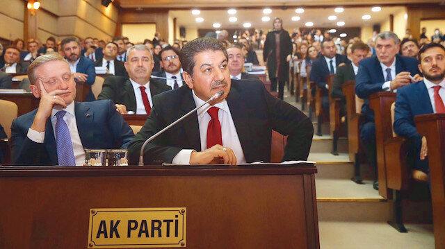 İBB Meclisi 1. Başkan Vekili Göksel Gümüşdağ (Solda) ve AK Parti İBB Meclis Grup Başkan Vekili ve Esenler Belediye Başkanı Mehmet Tevfik Göksu (Sağda)