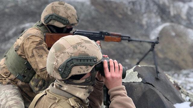 Güvenlik güçleri, terör örgütlerine yönelik operasyonlarını sürdürüyor.