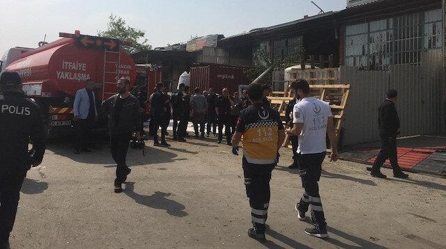 Olay yerine çok sayıda sağlık ve kurtarma ekibi sevk edildi.