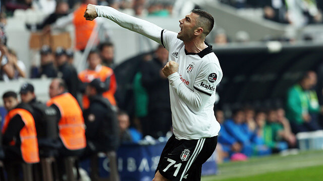 Burak Yılmaz, Beşiktaş formasıyla bu sezon çıktığı 12 maçta 11 gol attı.
