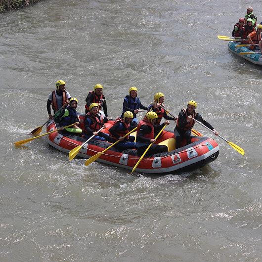Melen Çayı'ndaki rafting'e büyük ilgi