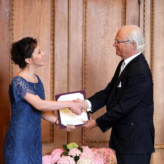 """أكاديمية تركية تفوز بجائزة """"الأسرة الملكية"""" السويدية"""