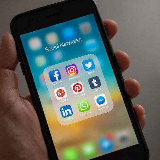 Social media platforms glitching worldwide