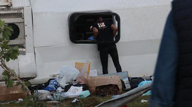 Adanada yolcu otobüsü devrildi: 2 kişi öldü