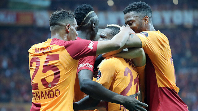 Galatasaray, Beşiktaş'ı 2-0 yenerek Süper Lig'de 31. hafta sonunda liderliğe yükseldi.