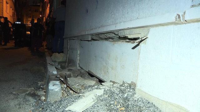 Fatihte tabanı çöken bina tahliye edildi
