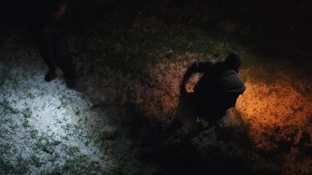 Gaz lambalarıyla kurbağa avı drone ile görüntülendi