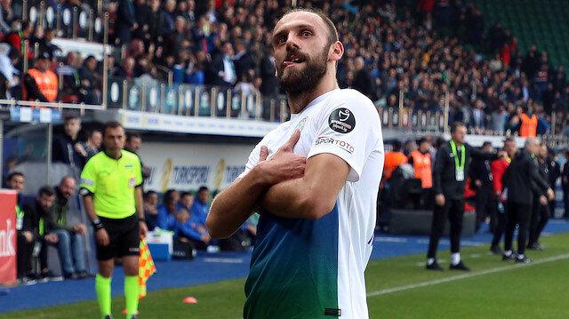 Vedat Muriqi 14 golle krallık yarışında 4. sırada yer alıyor.