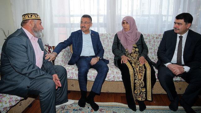 نائب أردوغان يزور أسرة مواطن استشهد بمذبحة المسجدين في نيوزيلندا