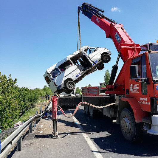 Şanlıurfa'da otomobil şarampole devrildi: 7 yaralı