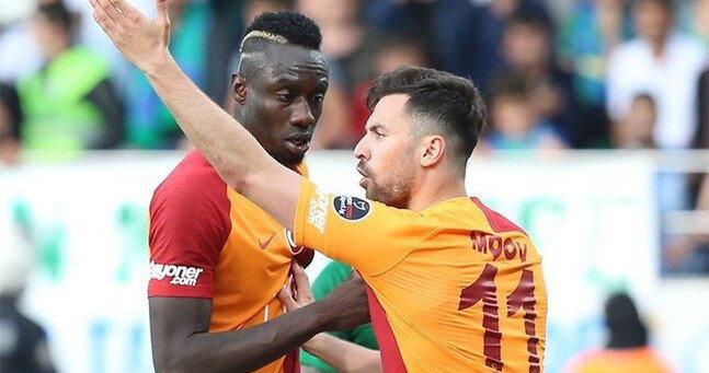 Diagne ile Sinan Gümüş penaltı için ciddi bir tartışma yaşamıştı.