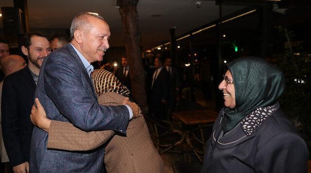 Cumhurbaşkanı Erdoğandan kafe ziyareti