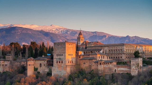Yüzünü El Hamraya çeviren şehir: Granada