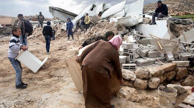 Filistin kaynaklarına göre, İsrail şimdiye kadar, 220 bin Filistinlinin yaşadığı 12 milyon dönümlük Necef Çölü'nün 11 milyon dönümüne el koydu.