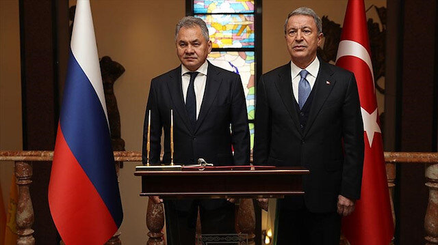 Savunma Bakanı Akar ve Rus mevkidaşı Şoygu.