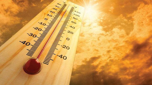 """Bilim insanları sıcaklığın mevcut halinden 1,5 derece daha artması durumunda """"geri dönüşü olmayan"""" tehlikelerin ortaya çıkabileceği konusunda uyarıyor."""