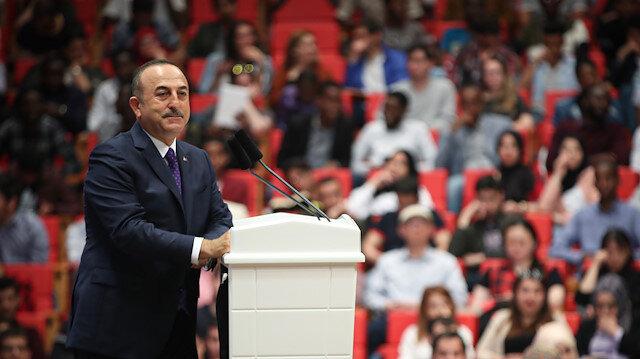 تشاووش أوغلو: تركيا لاعب أساسي في حل الأزمة السورية