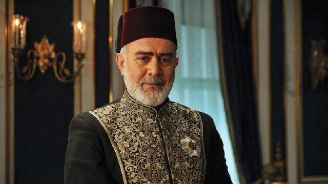 """تحسين باشا يكشف: """"السلطان عبد الحميد"""" على شاشات 67 دولة وبعضهم حاول منعه"""