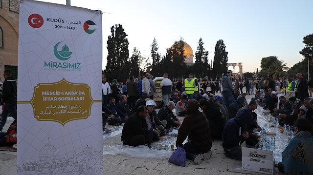 Mirasımız Derneği ,Ramazan ayı boyunca Kudüs'te kurduğu iftar sofralarında binlerce Müslümanı ağırlayacak.