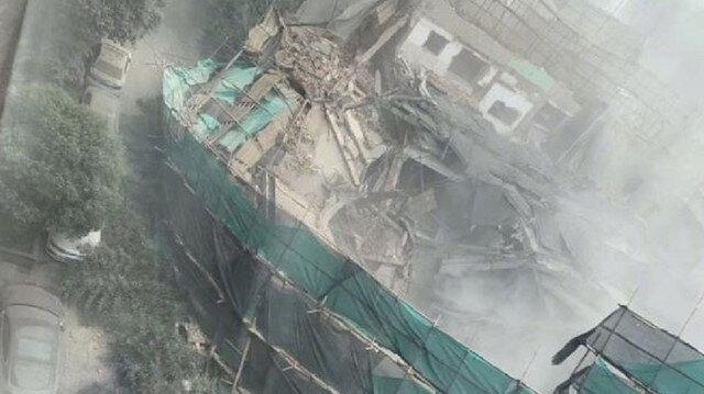 Binanın üst katlarındaki tadilat ve inşa çalışmaları yapıldığı sırada çöktüğü belirtiliyor.
