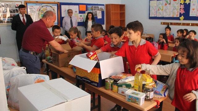 Amasya Serdar Zeren İlkokulu 1. sınıf öğrencileri