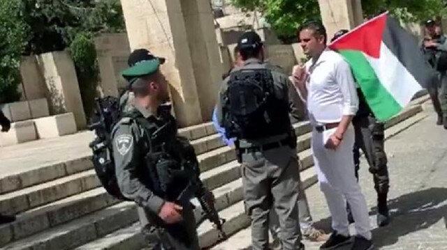 İsrail polisi, Kuzu'yu etkinliğe giderken gözaltına aldı.