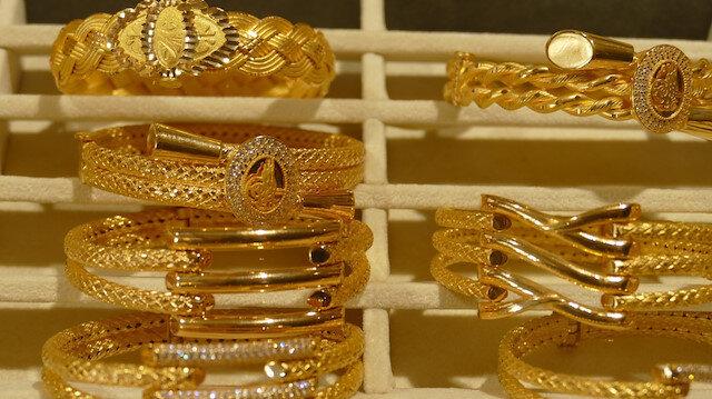 Gram altın 251 lira seviyelerinde