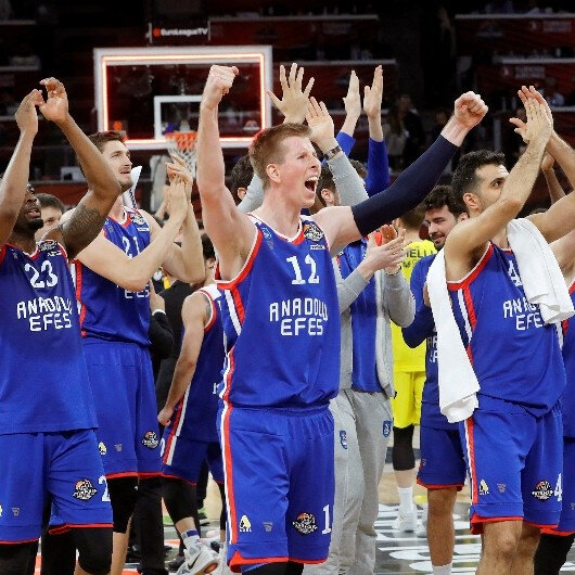 Anadolu Efes advance to EuroLeague final for first time