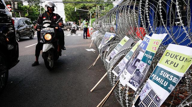 Endonezya'da devlet başkanlığı ve milletvekili seçimi.