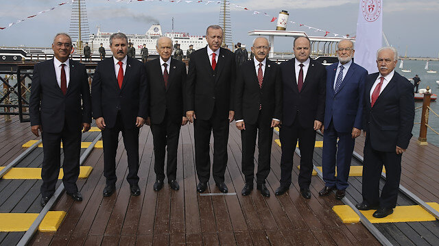 Bülent Turan: Asıl kaybeden o fotoğrafta yer almayan olacak