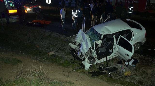 TIR ile otomobilin çarpışması sonucu 2 polis şehit oldu
