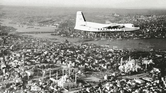 THY ilk yurtdışı seferini 1947 yılında, Ankara - İstanbul - Atina hattında gerçekleştirdi.