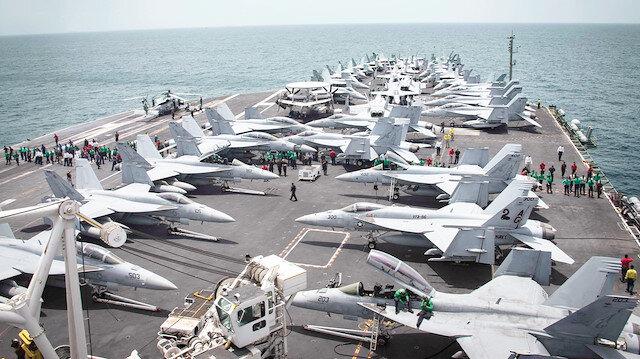 ABD Deniz Kuvvetleri'ne ait uçak gemisi.