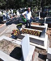 Mezar bakımı içinşirket kurdu