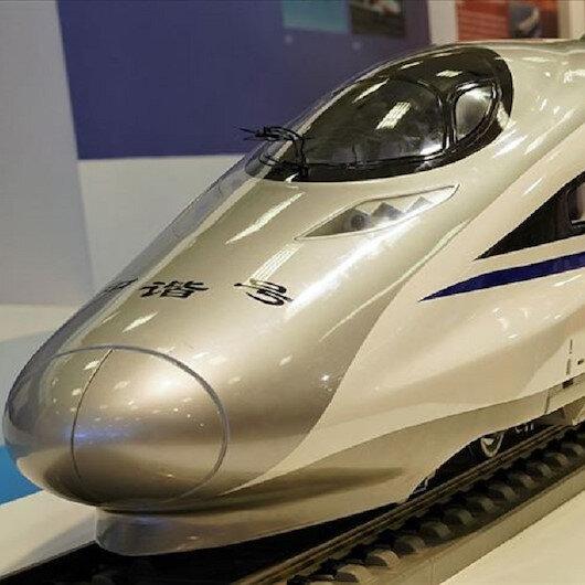 Çin 600 km hıza çıkabilen trenini tanıttı