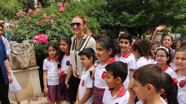 Bakan Ersoy'un eşinden 40 ünlü ile Adıyaman Müzesi'ne ziyaret