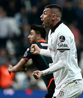 Beşiktaş sakata geldi