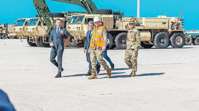 Dedeağaç Limanı'na indirilen askeri araçlar birliklere sevk edildi.