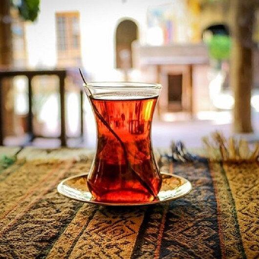 دراسة: هذه علاقة شرب الشاي الساخن بالسرطان