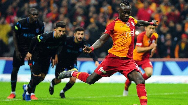 Galatasaraylı Diagne, bu sezon attığı 30 golün 12'sini penaltıdan kaydetti.