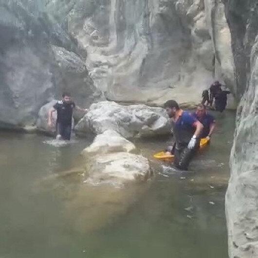 Şelaleden balıklama atlayan genç kayalıklara çarparak öldü