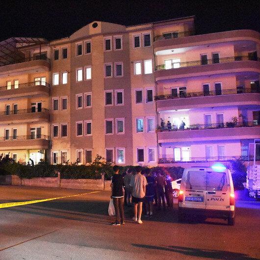 Karşılıklı balkonlardan birbirlerine ateş ettiler