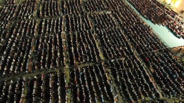 Yenikapıda 313 bin kişi Enderun Teravihi kıldı