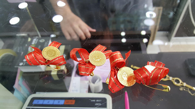 Çeyrek altın 405 lira