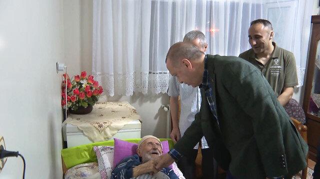 Cumhurbaşkanı Erdoğan 110 yaşındaki Soyutürkün evini ziyaret etti