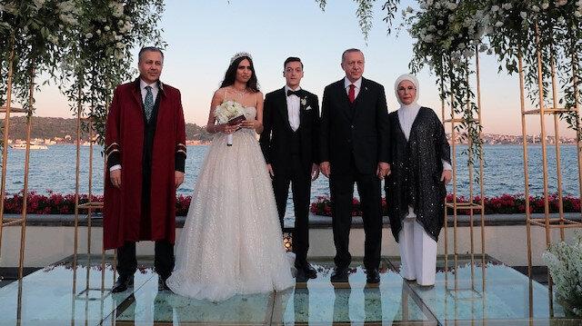 Cumhurbaşkanı Recep Tayyip Erdoğan, dünyaca ünlü futbolcu Mesut Özil'in nikah şahitliğini yaptı