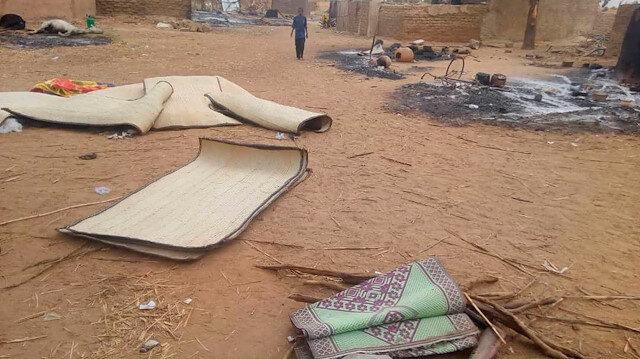 Mali'de bir köye saldırı: 100 ölü