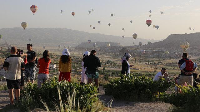 Kapadokya'da bayram tatili yoğunluğu sürüyor.